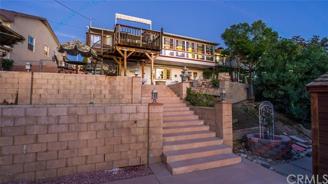 1220 Canyon Way, Pomona CA: http://media.crmls.org/medias/1a658df3-24a0-4f52-8f2c-b07060c3a4b9.jpg