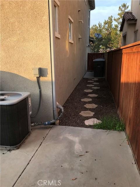 7019 Joy Street, Chino CA: http://media.crmls.org/medias/1a6ef83e-c130-4e0e-a558-af9ecb671b9b.jpg