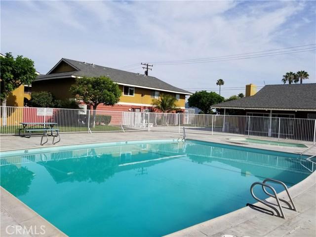 624 S Sullivan Street, Santa Ana CA: http://media.crmls.org/medias/1a707a69-d117-488f-9e7e-b2a3b6ad8716.jpg