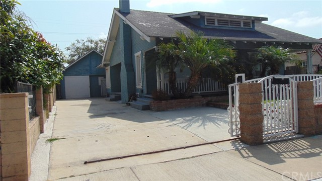 911 Kilson Drive, Santa Ana CA: http://media.crmls.org/medias/1a713b1a-1d47-4fe3-8043-e6ee824b179c.jpg