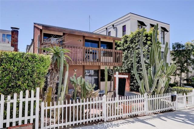 444 9th Street, Manhattan Beach CA: http://media.crmls.org/medias/1a7ae430-db5a-4845-ac62-8244fc6f36f8.jpg