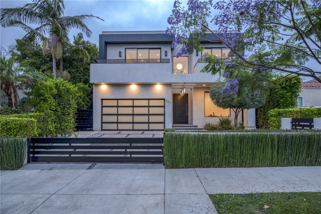 607 N Curson Avenue, Los Angeles CA: http://media.crmls.org/medias/1a8a6cf1-ae46-4065-b10b-82e8164c63af.jpg