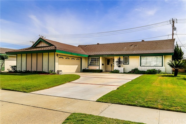 Single Family Home for Sale at 1662 Palais Road W Anaheim, California 92802 United States