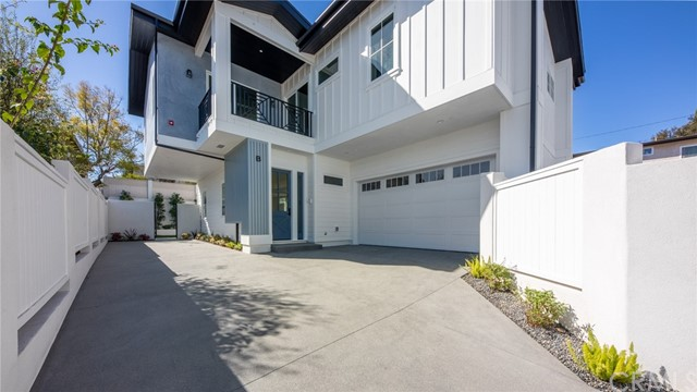 1908 Bataan Road, Redondo Beach, California 90278, 4 Bedrooms Bedrooms, ,3 BathroomsBathrooms,Townhouse,For Sale,Bataan,PV21039512
