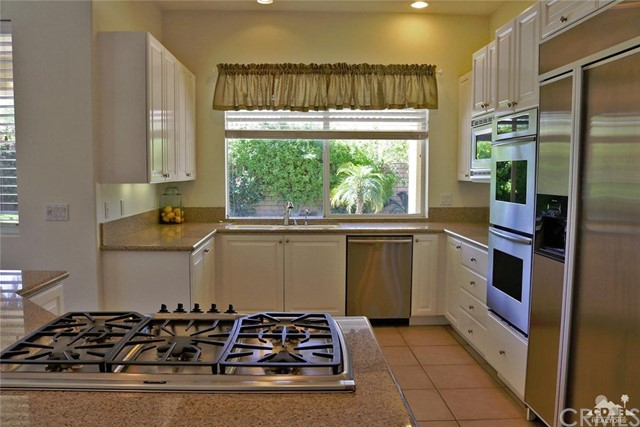 5 Varsity Circle, Rancho Mirage CA: http://media.crmls.org/medias/1aac99c2-21f7-43c6-840f-4be86dab7dbb.jpg