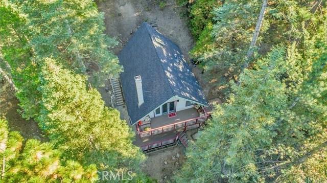 875 Brentwood Drive, Lake Arrowhead CA: http://media.crmls.org/medias/1aba5900-da32-48b5-b50d-10482c7ec031.jpg