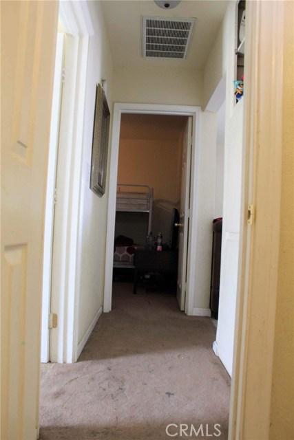 1475 W 5th Street, San Bernardino CA: http://media.crmls.org/medias/1adeb106-21cd-48dc-98e0-ab02c45be51a.jpg