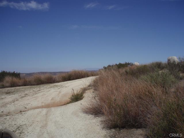 41120 Jojoba Hills Circle, Aguanga CA: http://media.crmls.org/medias/1ae0e13c-c801-487f-98e2-e97022fc7fc8.jpg