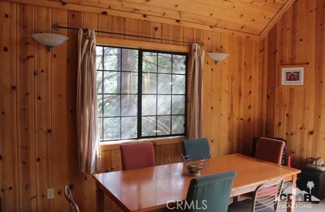 23076 Oak Leaf Lane, Idyllwild CA: http://media.crmls.org/medias/1ae5fc13-0c18-4b81-8da6-88593b581580.jpg