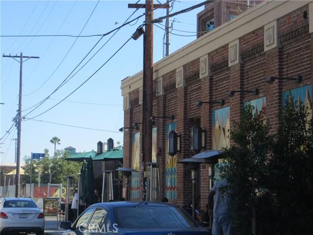 527 S Molino Street, Los Angeles CA: http://media.crmls.org/medias/1b1051bf-3179-4c51-a8b4-69ce2a24cced.jpg