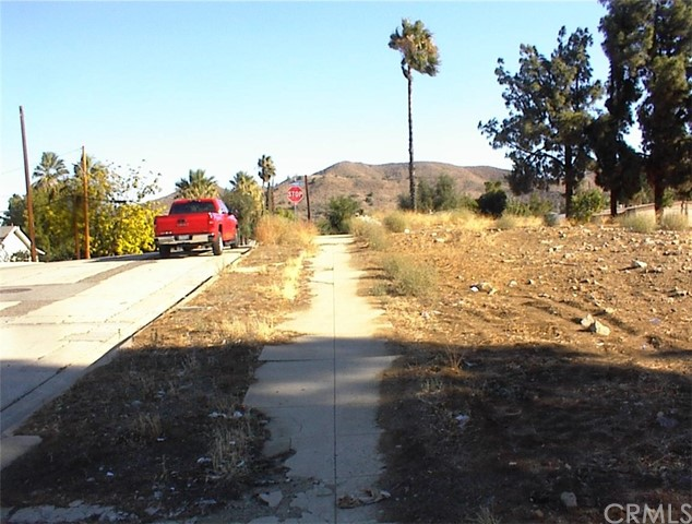 268 Ellis Street Lake Elsinore, CA 92530 - MLS #: SW18249440