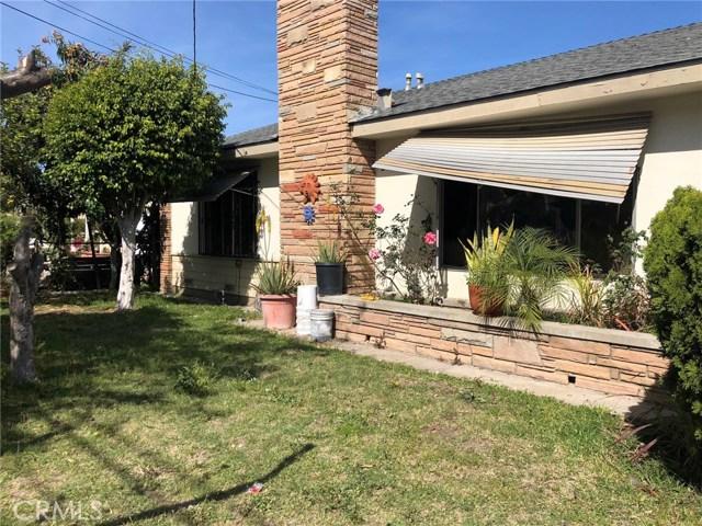 1009 N Bewley Street, Santa Ana CA: http://media.crmls.org/medias/1b128fb3-8579-47fa-9f98-54e65e94730d.jpg