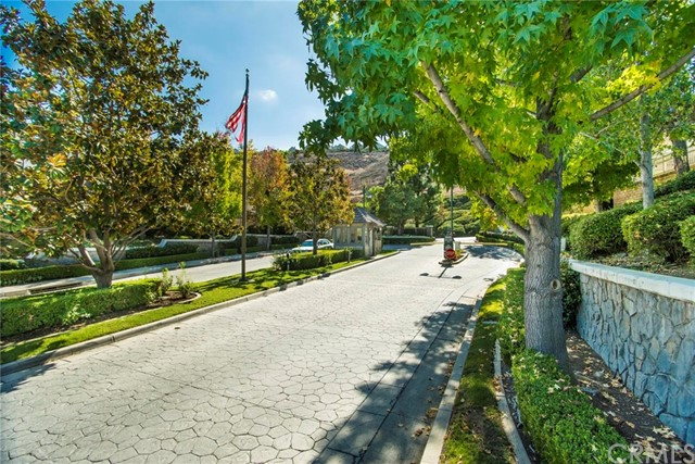 6150 E West View Drive, Orange CA: http://media.crmls.org/medias/1b1bf106-5419-4c0c-bf43-9aceba288d35.jpg