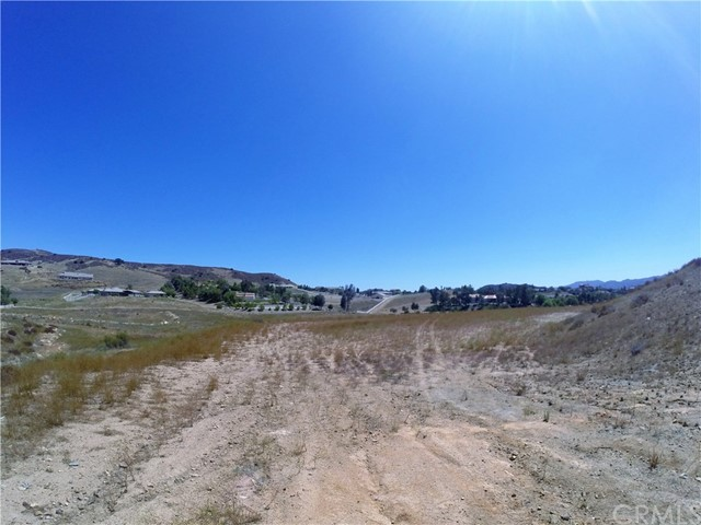 39815 Vineyard View, Murrieta CA: http://media.crmls.org/medias/1b22c761-947c-483a-8269-3df95c10c8b9.jpg