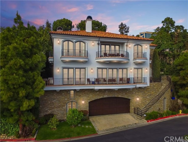 Detail Gallery Image 1 of 20 For 563 Emerald Bay, Laguna Beach,  CA 92651 - 6 Beds | 6/1 Baths