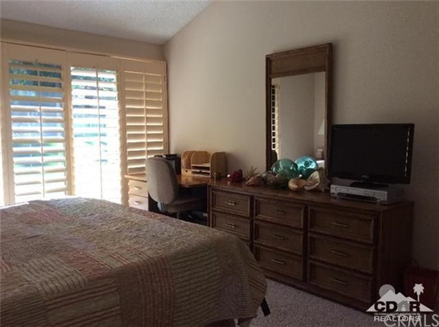 46634 Mountain Cove Drive Drive, Indian Wells CA: http://media.crmls.org/medias/1b27618e-d756-4ab1-a631-4a22e08c5f9a.jpg