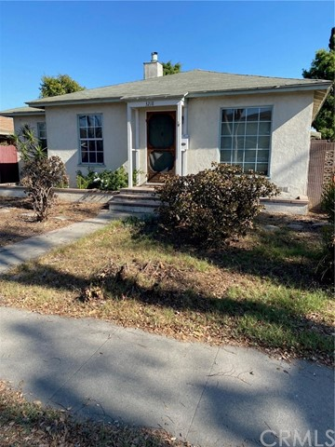 3218 Daisy Avenue, Long Beach CA: http://media.crmls.org/medias/1b3627b8-5d7f-4fde-a66b-766c790e0596.jpg