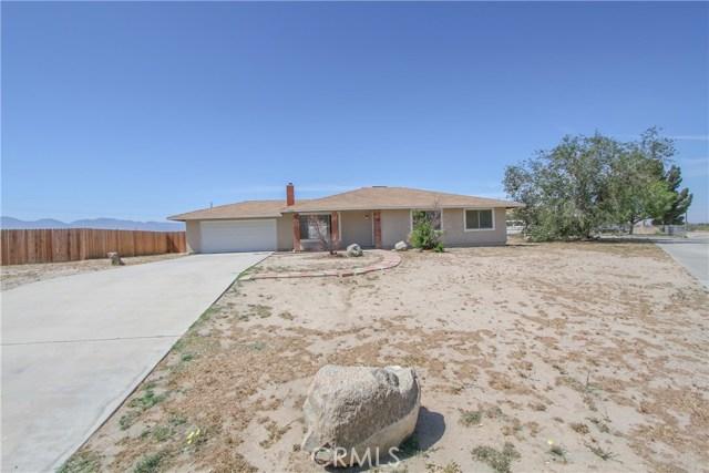 Single Family Home for Sale at 15040 Avenue Q7 E Lake Los Angeles, California 93591 United States
