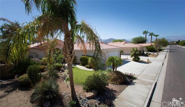 79633 Dandelion Drive La Quinta, CA 92253 is listed for sale as MLS Listing 216028718DA