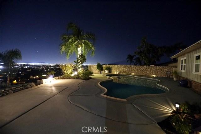 2351 Willow Drive, San Bernardino CA: http://media.crmls.org/medias/1b77350e-0bfa-434f-a48d-8eb104fdad99.jpg