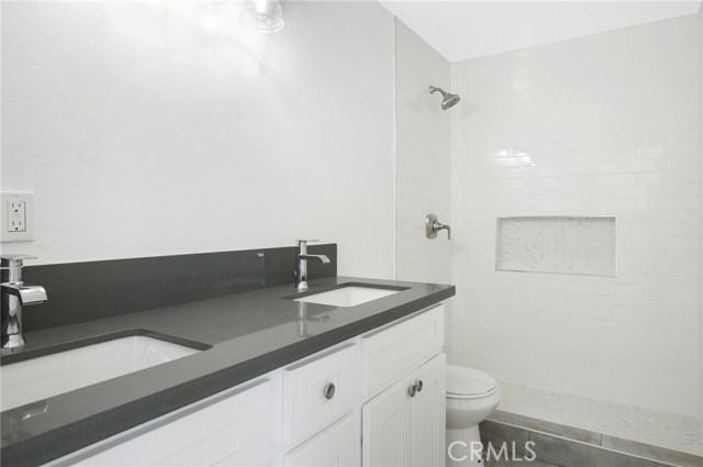 4828 W 118th Street, Hawthorne CA: http://media.crmls.org/medias/1b8a03aa-dde0-4e51-bdb8-4c1b919250bf.jpg