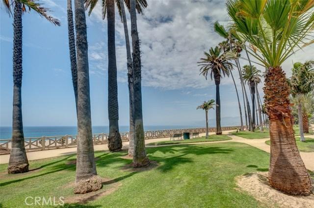 1045 Ocean Avenue, Santa Monica CA: http://media.crmls.org/medias/1b8d0d65-5a82-4553-9104-62ef5fd01e79.jpg