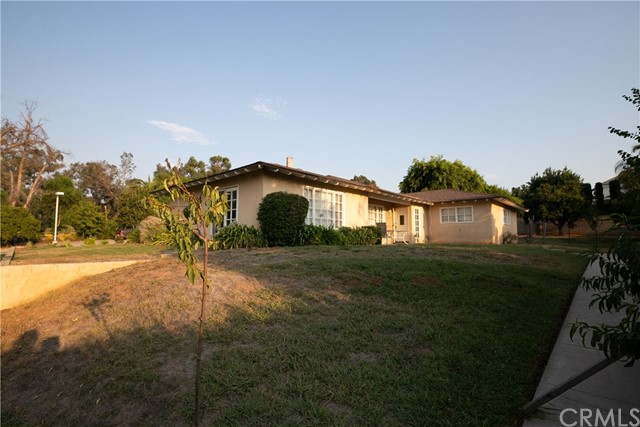 7660 Whitegate Avenue, Riverside CA: http://media.crmls.org/medias/1ba1bb12-9f7d-4aef-90be-c55de3bf28e9.jpg