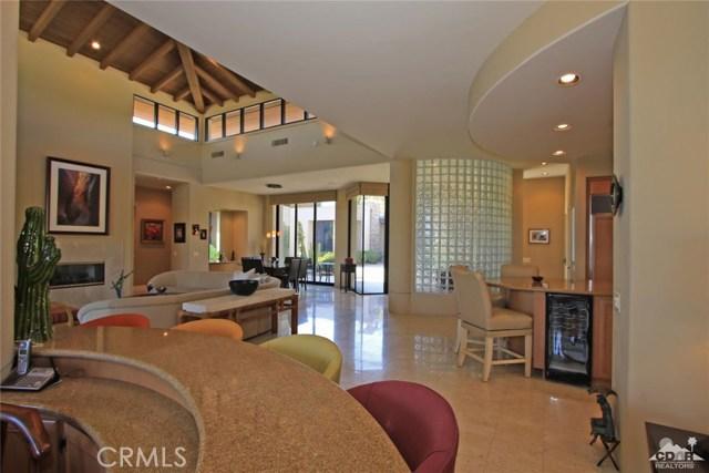 428 Morning Dove, Palm Desert CA: http://media.crmls.org/medias/1bacbbdd-4155-4381-80ae-74be17751491.jpg