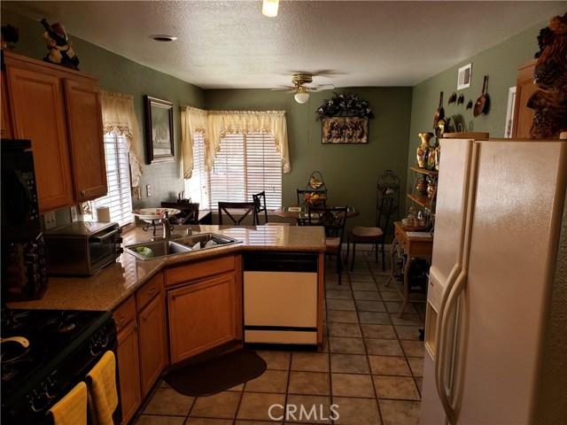 2125 Alfalfadale Road, Perris CA: http://media.crmls.org/medias/1bb42e9f-de81-4363-9339-da4e50af5a2d.jpg