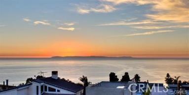 1040 La Mirada Street, Laguna Beach CA: http://media.crmls.org/medias/1bb98dd2-79f7-49fc-aa9f-4bee90bc3a26.jpg