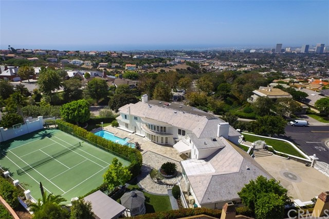 Single Family Home for Sale at 1 Yorkshire Newport Beach, California 92660 United States