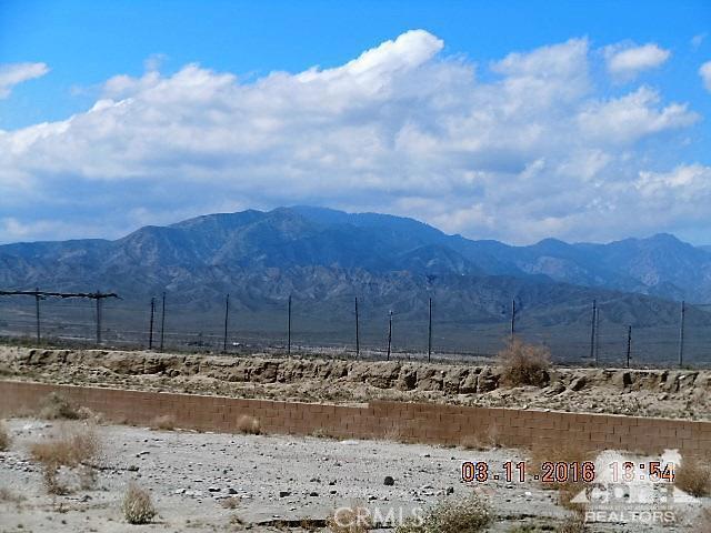 11339 Bald Eagle Lane, Desert Hot Springs CA: http://media.crmls.org/medias/1bbe6e1c-a871-4293-a5ce-522f550809a1.jpg