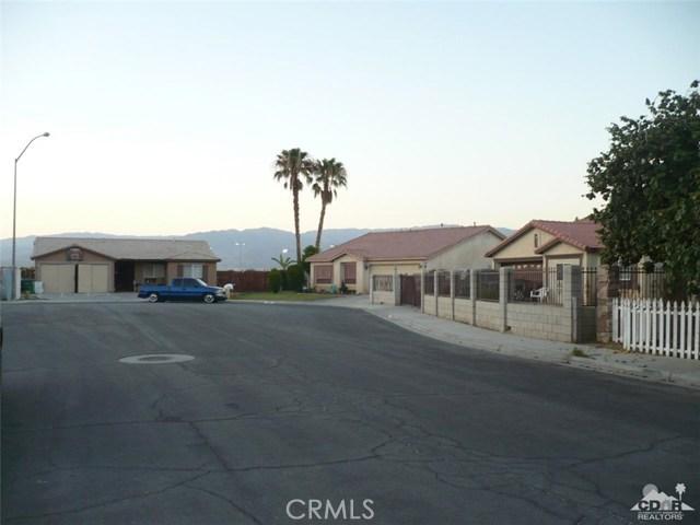 49088 Summer Street, Coachella CA: http://media.crmls.org/medias/1bc0636d-3f65-48fc-8bbd-18fb2529470a.jpg