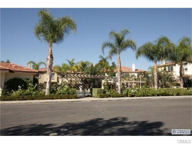 449 Ridgeway, Irvine, CA 92620 Photo 2