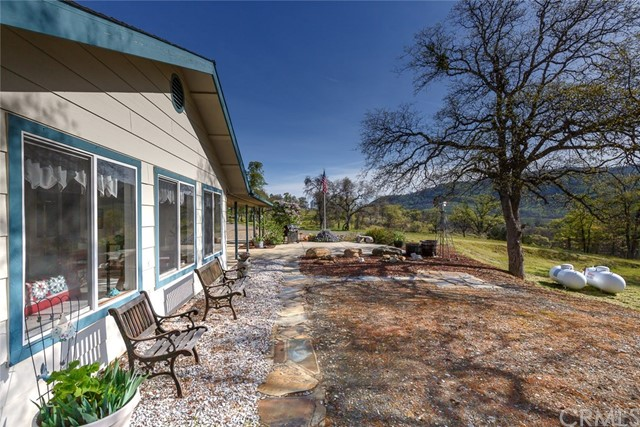 4753 Bear Valley Road, Mariposa CA: http://media.crmls.org/medias/1bdd1017-ba51-47fb-b7ba-c2a1fa7f1da9.jpg