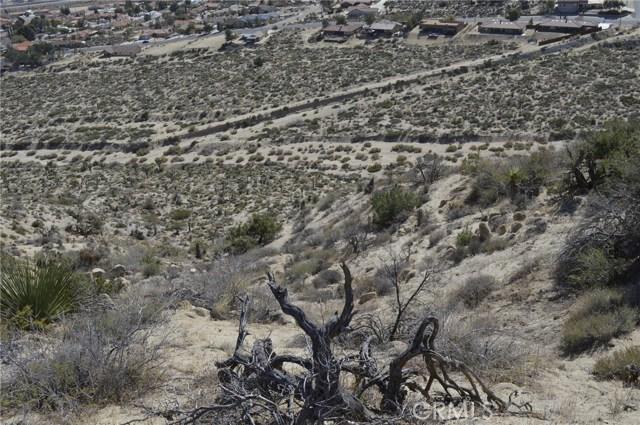 7400 Fairway Drive, Yucca Valley CA: http://media.crmls.org/medias/1bf1349b-df77-4cac-af9b-f55a394a36db.jpg