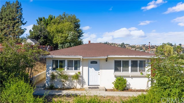 Detail Gallery Image 1 of 17 For 304 W Graves Ave, Monterey Park, CA 91754 - 2 Beds | 1 Baths