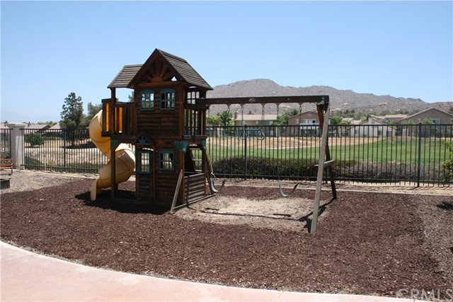 15210 Legendary Drive, Moreno Valley CA: http://media.crmls.org/medias/1c02fa53-1f8f-4d2e-934e-47bbe8c0b0c1.jpg