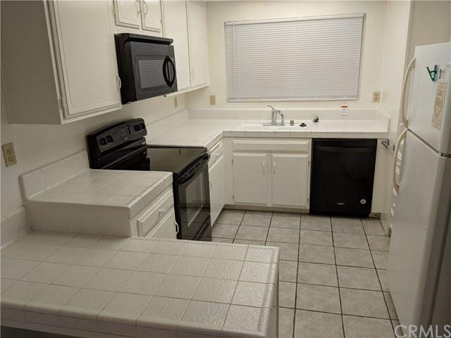 3306 Via Carrizo, Laguna Woods CA: http://media.crmls.org/medias/1c051f1c-424a-436d-a4df-dc22e4d69d01.jpg
