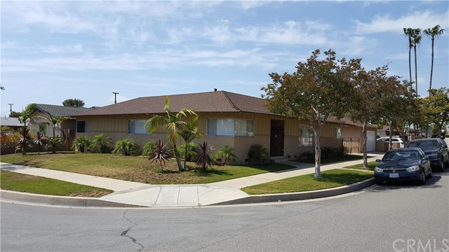 Single Family Home for Rent at 824 North Lincoln St Orange, California 92867 United States