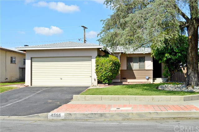 4555 N Glenfinnan Avenue, Covina, CA 91723