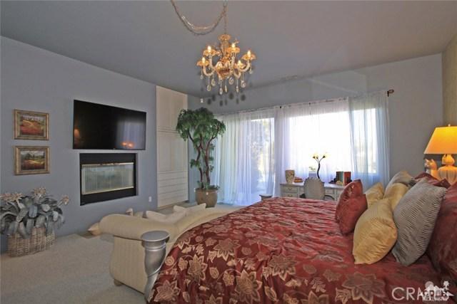 104 Loch Lomond Road, Rancho Mirage CA: http://media.crmls.org/medias/1c3c2899-b7e9-436c-8ddf-58f53b228fa7.jpg