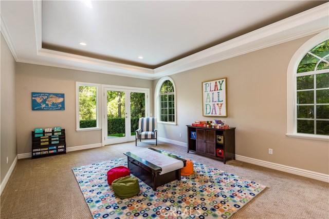 1818 Linda Vista Circle, Fullerton CA: http://media.crmls.org/medias/1c4b70d1-25a5-4d87-b31f-987d853d177d.jpg