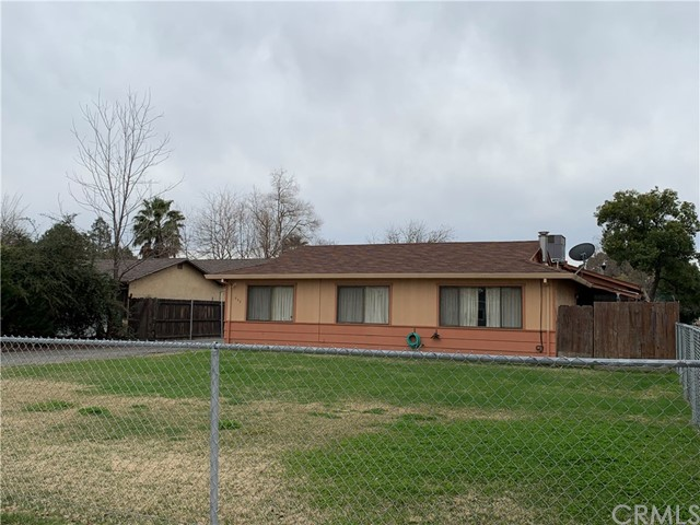 233 Bryant Street, Orland CA: http://media.crmls.org/medias/1c4c2fdb-9c1a-42f1-9d2f-bac2c6fcc9b4.jpg