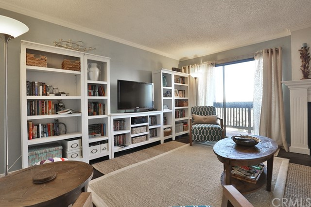 2516 E WILLOW #206 Signal Hill, CA 90755 is listed for sale as MLS Listing OC16765653