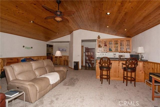 1480 Willow Glenn Court, Big Bear CA: http://media.crmls.org/medias/1c582505-e7be-406b-a82e-e60cccc8c89e.jpg