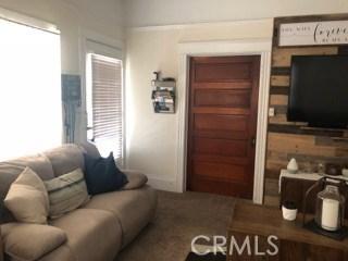 252 Sonora Street, Redlands CA: http://media.crmls.org/medias/1c63b4c1-81dd-4f26-b557-c426bc2a92fe.jpg