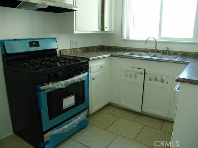 10321 Parr Avenue, Sunland CA: http://media.crmls.org/medias/1c6b4d20-b857-4289-8003-97e33db81140.jpg