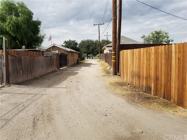 0 S I Street, San Bernardino CA: http://media.crmls.org/medias/1c6be4d7-24b0-4975-ae5a-98986ee87d65.jpg