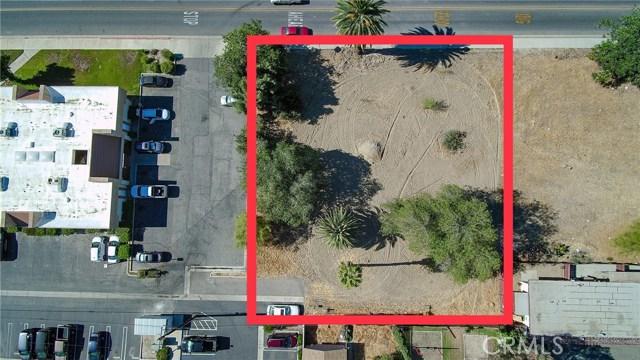 920 E Latham Avenue, Hemet CA: http://media.crmls.org/medias/1c730037-f0d5-4f70-a23a-6ad055c77cee.jpg